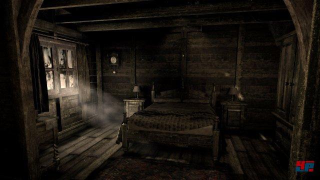 """Die verfallene Hütte erinnert stark an eine typische """"Cabin in the Woods"""" aus vielen US-amerikanischen Horrorfilmen."""