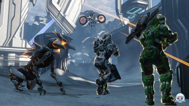 Achtung, Crawler im Anmarsch: Die neuen Robo-Krabbler und die schwebenden Watcher bringen Dynamik ins Spiel.