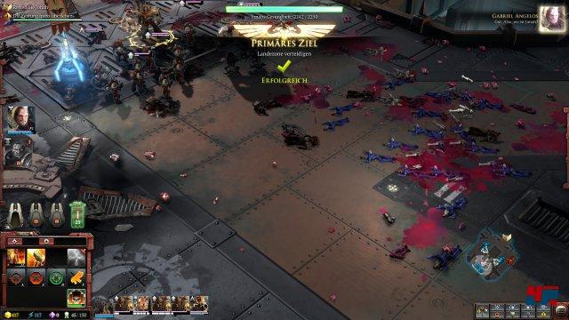 Die Schlachtfelder sind eine finstere Augenweide. Die Gefechte gehen in der Nahansicht ziemlich brutal und blutig vonstattengehen.