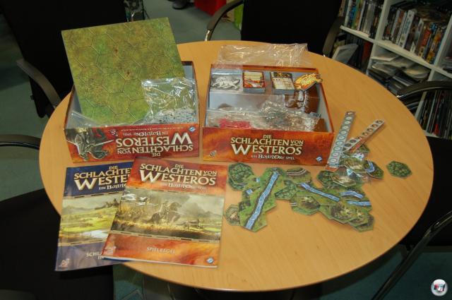 """""""Die Schlachten von Westeros"""" ist ein Strategiespiel für zwei Personen. Es ist im Dezember 2010 beim Heidelberger Spielverlag für etwa 60 Euro erschienen."""