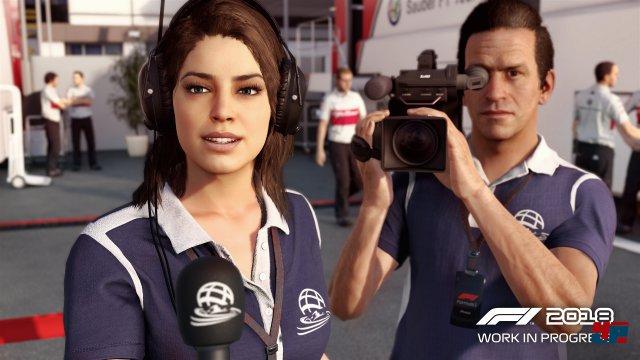 In F1 2018 muss man sich wieder den kritischen Fragen der Reporter in Interviews stellen.