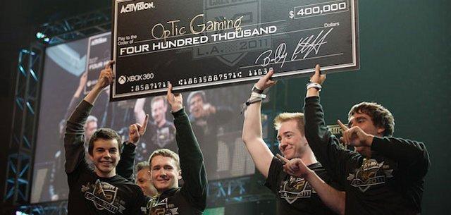 <b>Jackpot!</b>  <br><br>  Hier noch ein Bild vom Siegerteam Optic, das mit 400.000 US-Dollar nach Hause ging. 2261207