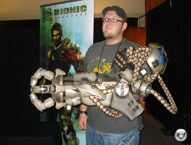 <b>Die Erkenntnis, dass...</b><br><br>...man einen bionischen Arm einfach zu allem tragen kann.