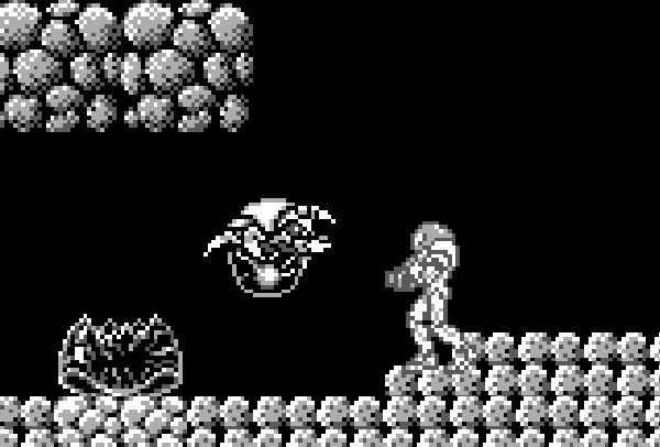 Metroid 2: Return of Samus<br><br>Obwohl Metroid ein gigantischer Erfolg war, dauert es ganze fünf Jahre, bis ein Nachfolger das Laserlicht erblickte: Metroid 2 erschien 1991 nur für den damals noch taufrischen Game Boy, zuerst in den USA, erst danach in Japan - Skandal! Und obwohl das höllisch dunkle, große und schwere Spiel im Gesamtüberblick der schwächste Metroid-Teil ist, setzte er doch Spielelemente ein, die in späteren Games weiterverwendet wurden - etwa den Babymetroid oder den Spiderball, mit dem Samus problemlos an Wänden und Decken entlangrollen konnte. Trivia-Fans aufgemerkt: Zeitlich spielt Metroid 2 zwischen Metroid Prime 3 (Wii) und Super Metroid (SNES) - wenn das mal nicht konsolenübergreifendes Geschichtendesign ist! 1720801