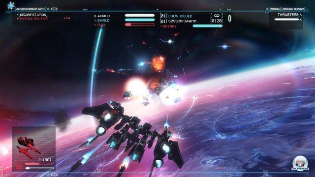 Die rasanten Dogfights sind die St�rke des Spiels: Mit dem MG werden die Schilde des Gegners zerst�rt und danach mit dem Laser die H�lle.