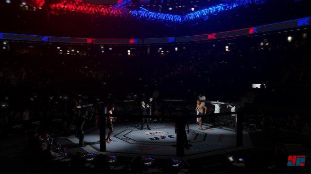 Auch bei der Präsentation der Einmärsche, und Kämpfer-Vorstellungen zeigt sich UFC 3 sehr nach an den echten Großveranstaltungen.