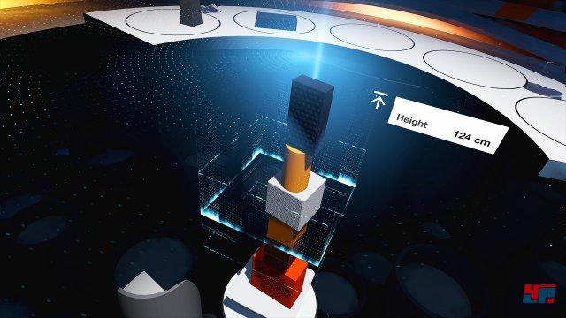 Wer kann am höchsten bauen? Die Steuerung per Move-Controller lässt einen millimetergenau die Blöcke aufeinander setzen.
