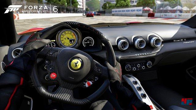 Rasen in der Cockpitansicht - gerde bei Forza angesichts der vielen Details immer wieder schön.