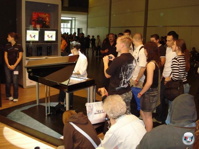 <b>Die Erkenntnis, dass...</b><br><br>...Martin Leung, der Video Game Pianist, verdammt gut ist. So gut sogar, dass... 1847103