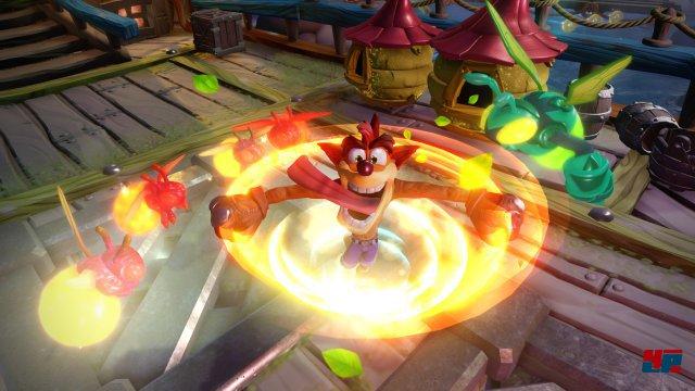 Mit einer Sonderedition kann man sogar mit der Jump&Run-Ikone Crash Bandicoot als Sensei spielen.
