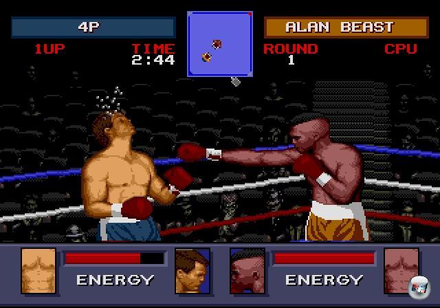 <b>Die Prominenz rückt an</b><br><br>Mit Ausnahme von Iron Mike waren nur selten echte Boxer in den Spielen vertreten - im Falle von Rocky könnte man den Begriff »echt« vielleicht etwas dehnen. Jedenfalls bis 1992. In diesem Jahr schossen die Promi-Prügler wie Pilze aus den Bytes. Drei der bekanntesten waren Muhammad Ali Heavyweight Boxing, George Foreman's KO Boxing und Evander Holyfield's Real Deal Boxing. Besonders Letzteres hatte schnell einen Haken bei den Fans gut, denn das Sega-exklusive Spiel bot nicht nur große, gut animierte Boxer, sondern auch viele taktische Schlagmöglichkeiten. 2203894