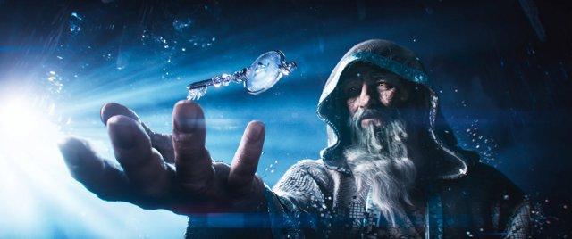 Anorak, der Avatar des verstorbenen James Halliday, übergibt den Schlüssel, sobald ein Rätsel geknackt und die Herausforderung gemeistert wurde.