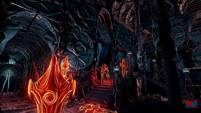 Um mit den Gegnern in spannenden Echtzeit-Kämpfen fertig zu werden, stehen einem Elementarzauber und Deckung in der Umgebung zur Verfügung.