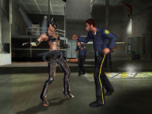 Catwoman (2004)<br><br>Es gibt nur eine wahre Catwoman, und das ist Michelle »Rrrrrrr!« Pfeiffer in dem 1992er »Batman Returns«. Die verzweifelt miauende Halle Berry war in dem 2004er Film ein bedauernswert schlechter Abklatsch - aber immer noch wahnsinnig gut im Vergleich zu dem Spiel, das in unserem Test mit den Worten <i>»So sind die Kämpfe und Schalterrätsel so anspruchsvoll wie das Öffnen einer Dose Whiskas, die Gegner dumm wie Miezenschiss und die Kameraführung so sinnvoll wie Lockenwickler für Siamkatzen«</i> abgefertigt wurde. Stellt euch einfach ein Game vor, dass ihr zusammen mit ein paar Backsteinen in einen Sack stopfen und in einen reißenden Fluss werfen wollt. 1723563