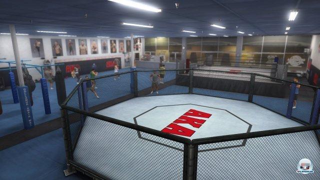Die American Kickboxing Academy gehört wie das britische Wolfslair zu den echten Camps, denen man sich anschließen kann.
