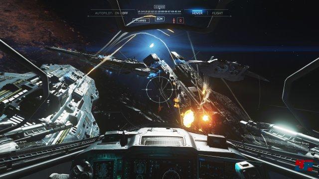 Schneller geht es kaum: In der Kampagne nimmt man immer wieder in einem wendigen Jackal-Raumgleiter platz.