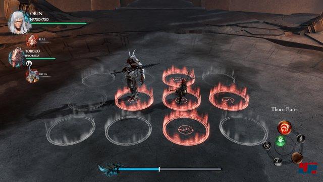 Man zieht seine Figur aktiv auf dem Spielbrett, danach wird sie auch virtuell bewegt.
