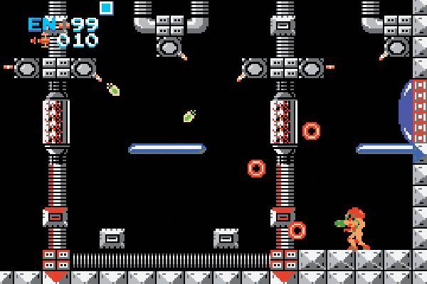 Metroid<br><br>1986 befand sich Nintendo mit seinem NES auf einem wunderbaren Hoch: Games wie Super Mario Bros oder The Legend of Zelda sorgten für dauerklingelnde Kassen und kopfgroße Augenringe bei den Spielern. Die weiteten sich mit Metroid nochmals gehörig, denn das Game war schwer, schwer, höllisch schwer. Außerdem war es eines der ersten mit einem weiblichen Protagonisten, dieser Fakt war aber ausgesprochen gut versteckt: In ihrem Raumanzug sah Samus wie ein ganz normaler Videospielheld aus, der Name ist neutral, das Handbuch mogelte sich um das Thema herum - und die »Enthüllung« fand nur statt, wenn man das bockschwere Game sehr gut innerhalb eines bestimmten Zeitlimits durchgespielt hat. Oder nach der Eingabe eines bestimmten Passwortes. Darüber hinaus war das einzige Spiel der Serie, das in der Version für das normale NES den Spielstand über ein fummeliges und unzuverlässiges Passwort-System sicherte - das allerdings den Vorteil hatte, dass man damit verhältnismäßig einfach an den Werten und der Ausrüstung von Samus herumpfuschen konnte. 1720800