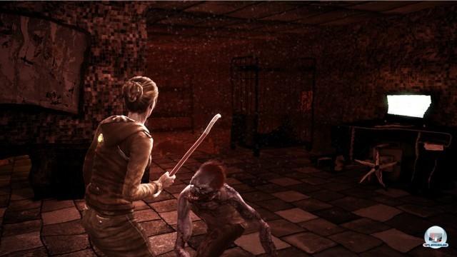 Im Kampf kann Lana entweder einfach zuschlagen oder ausweichen; Waffen nutzen sich mit der Zeit ab.