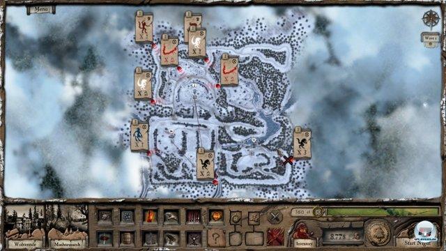 Tagsüber schaut man sich die Gegner sowie ihre Routen an und plant entsprechend seine nächtliche Verteidigung.