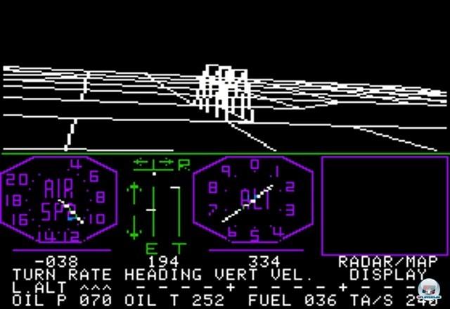 <b>Flight Simulator</b> <br><br> Die Geschichte des Flusi begann in den späten Siebzigern: Student Bruce Artwick aus Illinois entwickelte eine Technik, um Positionsdaten in Echtzeit durch ein dreidimensionales Gittermodell darzustellen. Aus einer Demo entstand 1980 der erste Flight Simulator für den Heimcomputer Apple II, herausgegeben von Artwicks frisch gegründeten Firma subLOGIC. Es gab ein Cessna-Cockpit, diverse Instrumente, drei Landeplätze, eine Bergkette und einen British Ace genannten Luftkampf-Modus. 2241039