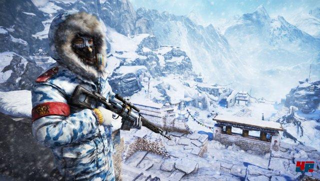 Der Großteil des Abenteuers spielt sich am Fuß der schneebedeckten Wipfel ab. Manche Aufträge führen Ajay Ghale aber in große Höhe.
